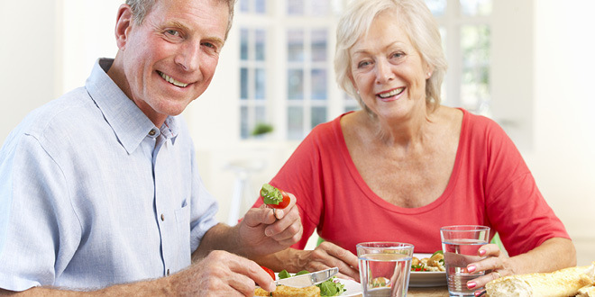 mature-couple-eating-w