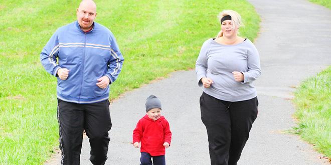 overweight-fam-running-w