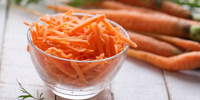 Minty carrot salad