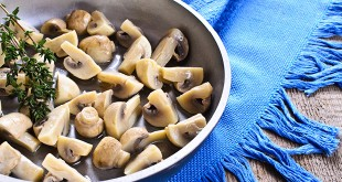 Liver-Doctor-Thyme-Roasted-Mushrooms
