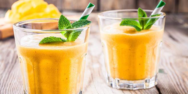 Creamy mango and banana smoothie